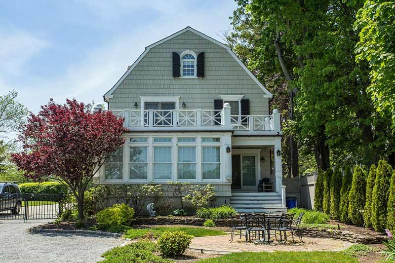 The amityville horror house is for sale circa old houses for The amityville house for sale