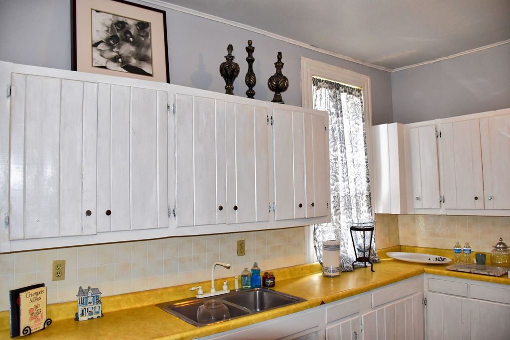Kitchen Cabinets Jackson Tn save this house! a tennessee beauty listed on the national