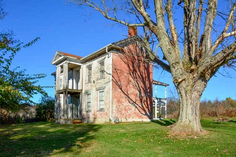 Meet the Amazing Couple Who Just Bought This Incredible Indiana Fixer-Upper