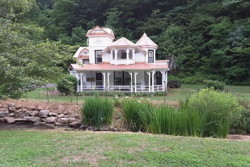 Beautiful Victorian On 8 Acres Circa Old Houses Old