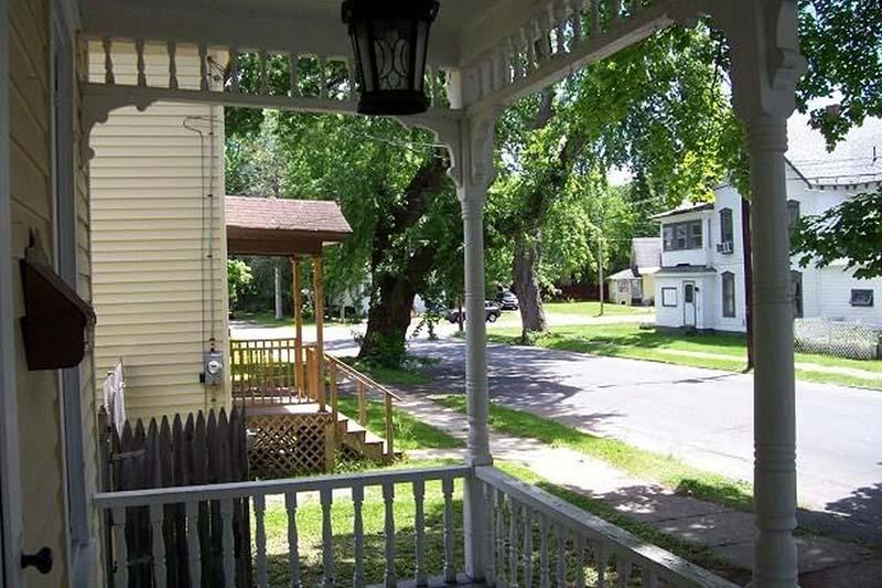 6-6th-St-Gloversville-NY-12078-3