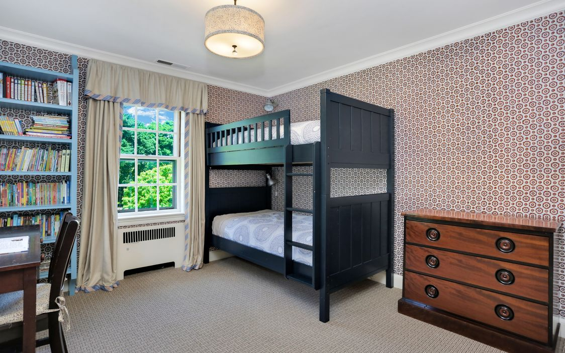 70 MIDWOOD ROAD GREENWICH, CT 06830-17