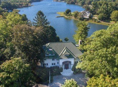 1 INDIAN CHASE DRIVE GREENWICH, CT 06830-32