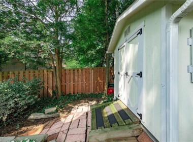 20976 Claythorne Rd, Shaker Heights, OH 44122-32