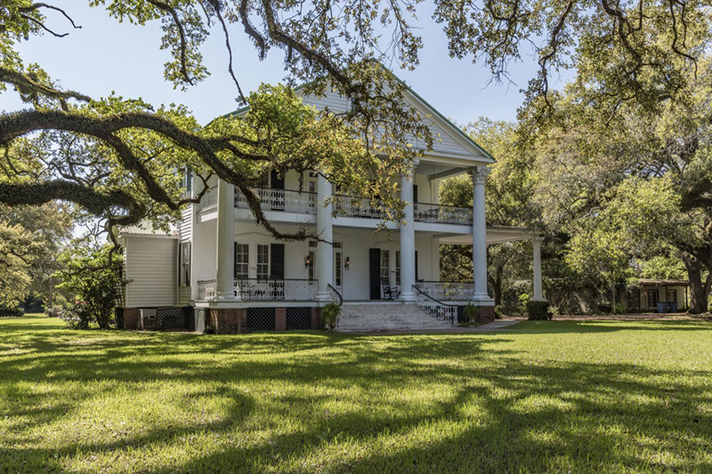 10 Homes for Sale on Over 10 Acres