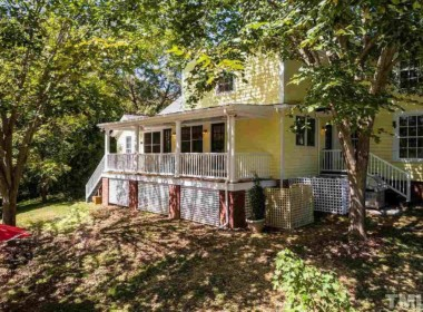307 W King St, Hillsborough, NC 27278-25