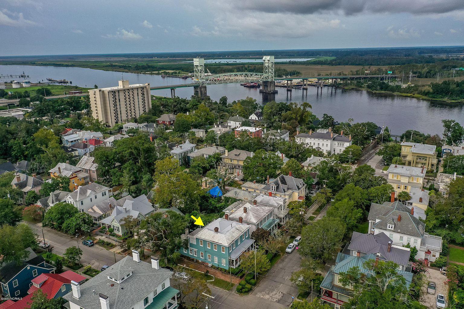 120 Nun St, Wilmington, NC 28401-4