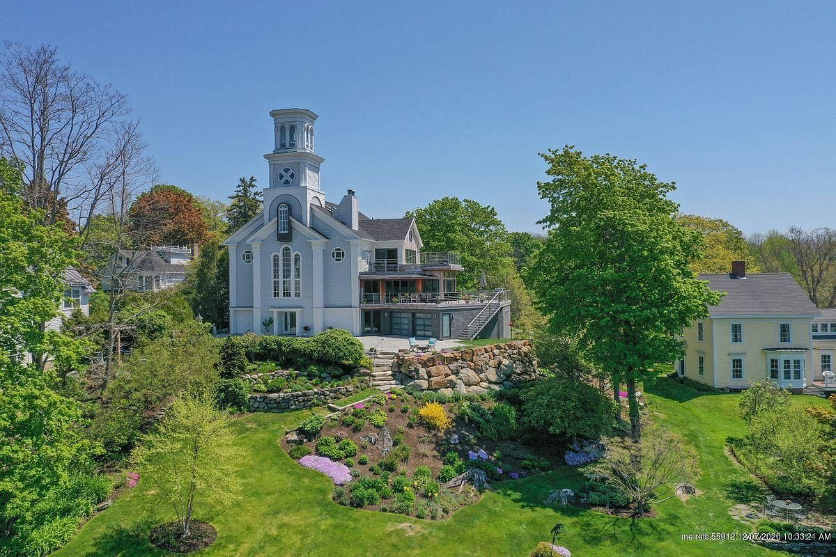 150 Russell Ave, Rockport, ME 04856-1