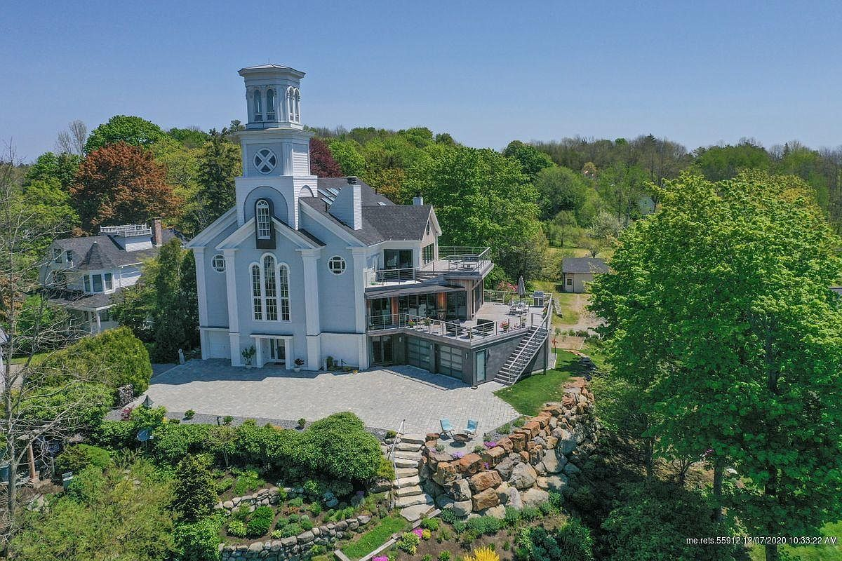 150 Russell Ave, Rockport, ME 04856-4