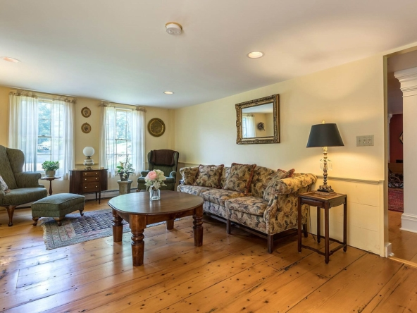 2435 Stage Rd, Guilford, VT 05301-19