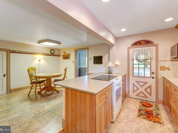 36 N Pennell Rd, Media, PA 19063-14
