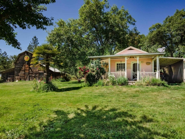5000 Redwood Ave, Grants Pass, OR 97527-13
