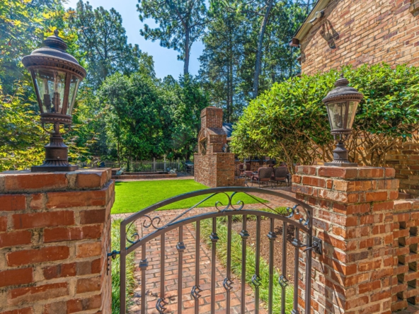415 Fairway Dr Southern Pines, NC 28387-4
