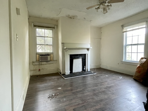 Master Bedroom with Fireplace - 816 E. 39th. St.