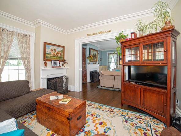 350 S Country Rd, East Patchogue, NY 11772-14