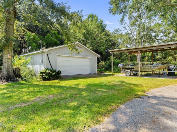 3803 Willow St, Pascagoula, MS 39567-36